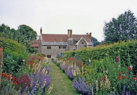 Mottistone_Manor_and_Garden,_Isle_of_Wight_-_geograph.org.uk_-_677455